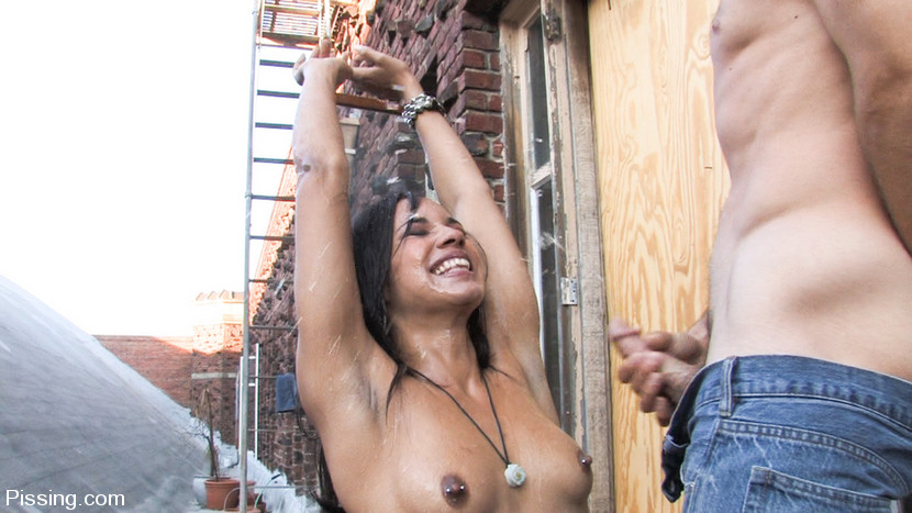 outdoor pissing on exotic babe